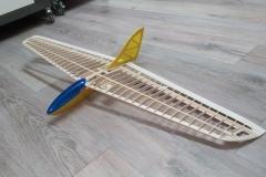 MIRO-Run-detal-wing-balsa-flying-wing-slope-dlg